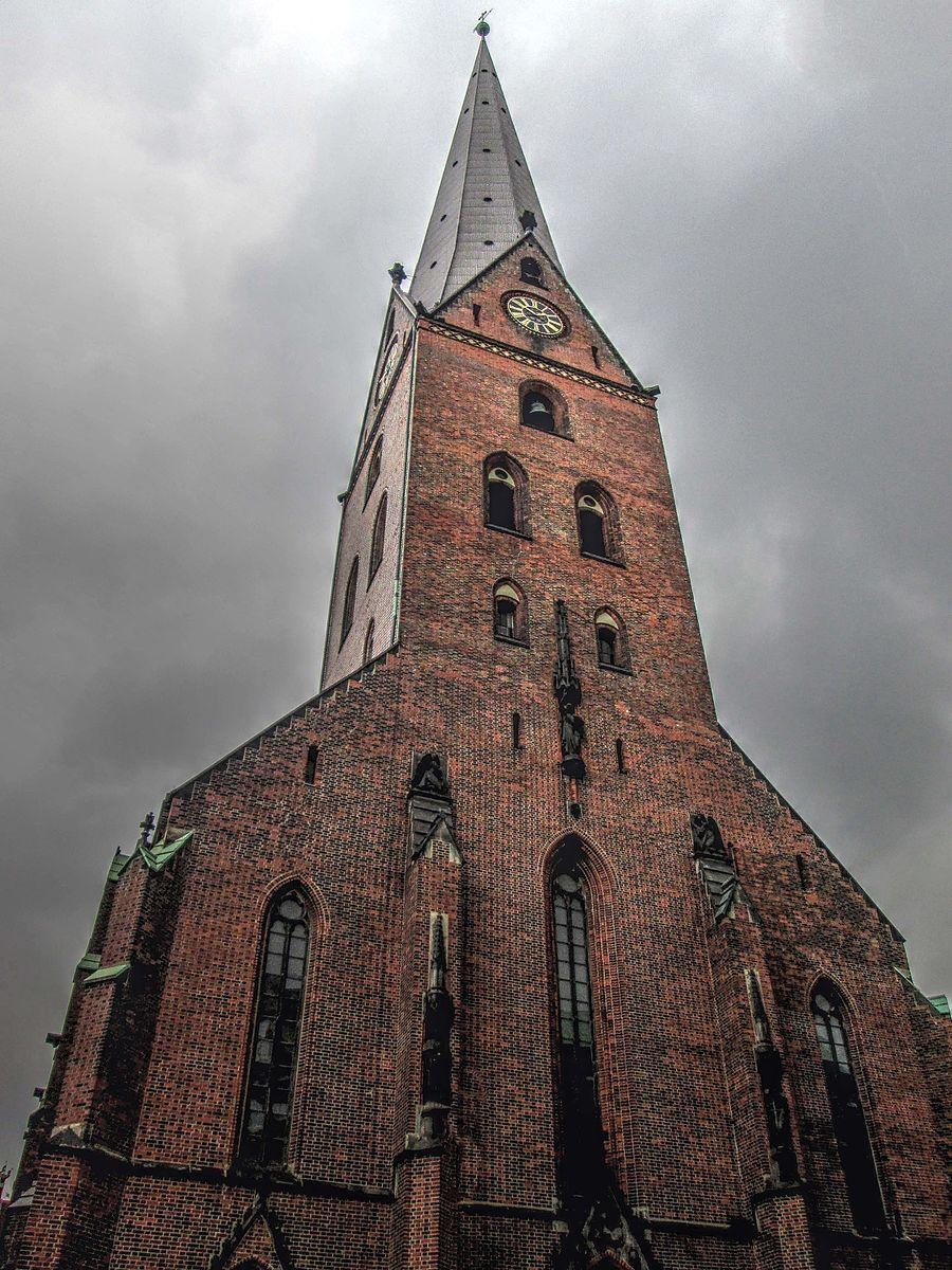 mespromenades-sankt-peter-kirke-hambourg-wikimedia-commons