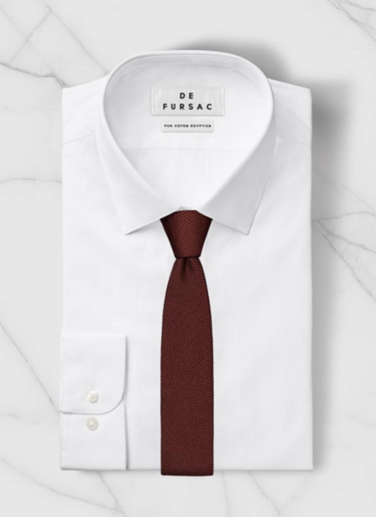 mespromenades-comment-porter-un-costume-defursac-chemise-blanche-cravate-rouge-soie