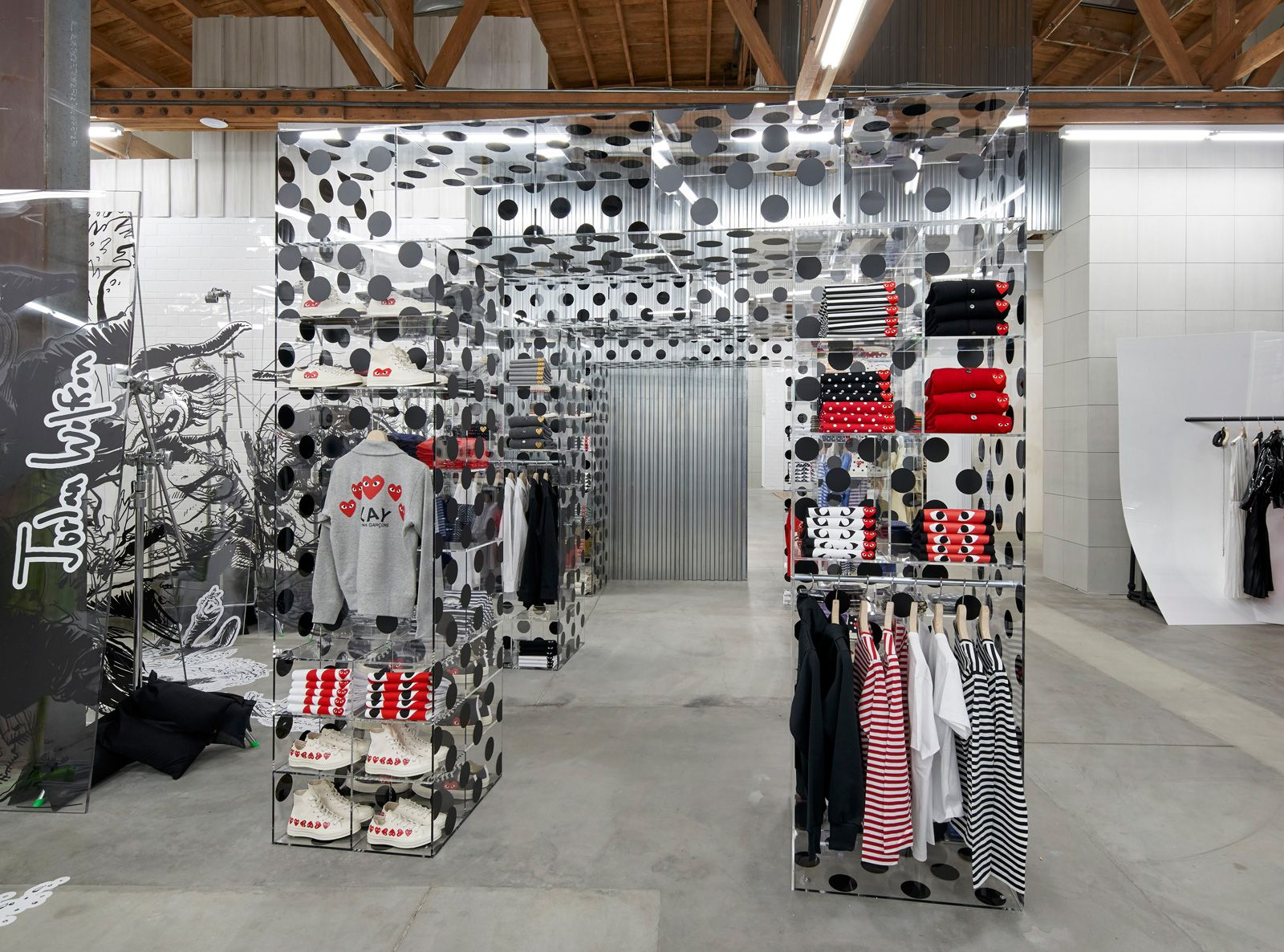 dover-street-market-nouvel-adresse-a-paris-comme-des-garcons-corner-credit-photo-©-dsm