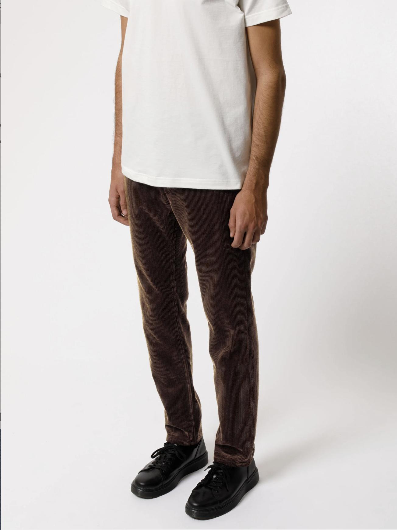 mespromenades-le-pantalon-dautmne-nudie-jeans-Easy-Alvin-Brown-Cord-120163-27_2400x2400-02