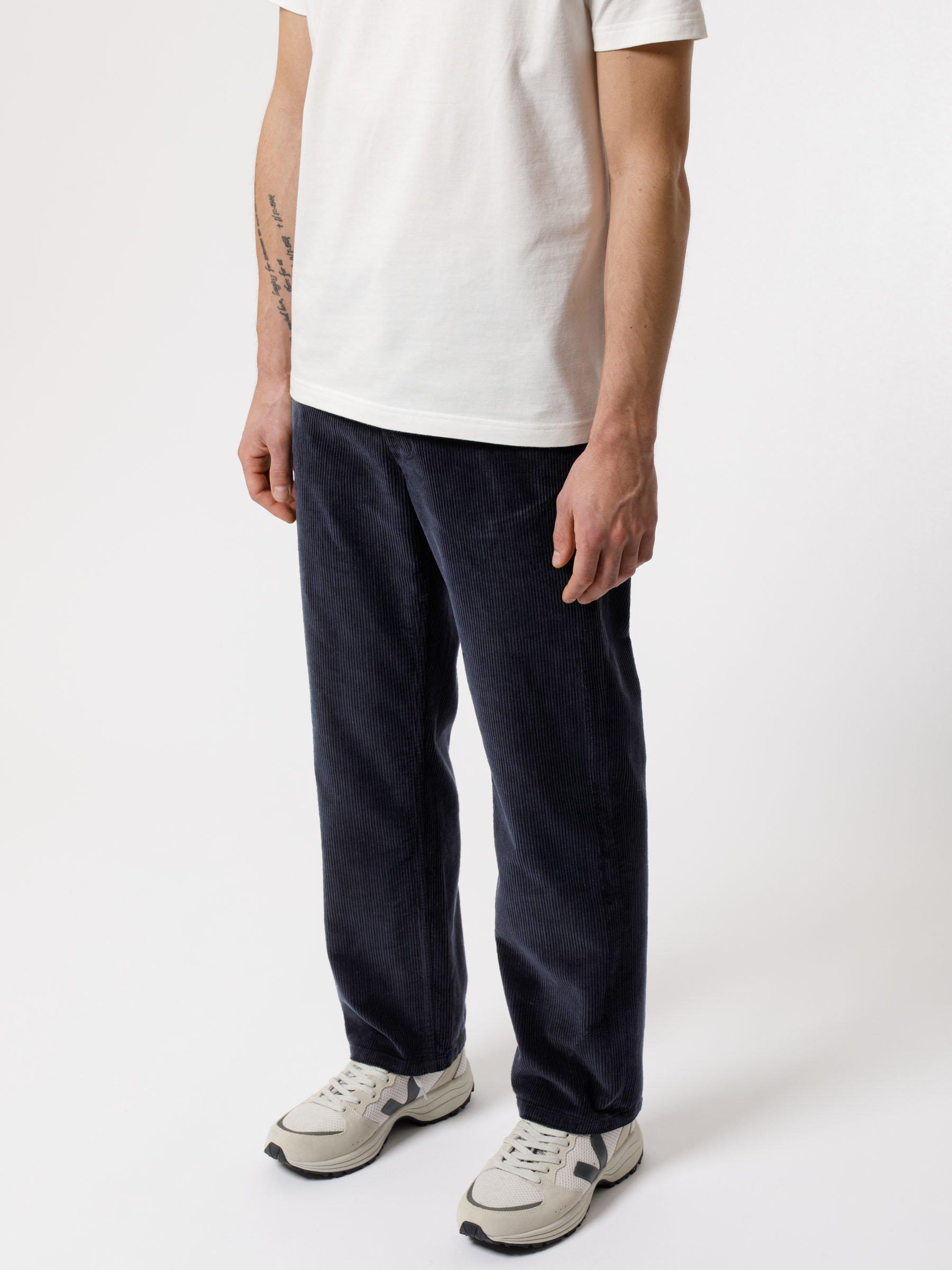mespromenades-le-pantalon-dautmne-nudie-jeans-Lazy-Leo-Cord-Navy-120188-14_2400x2400