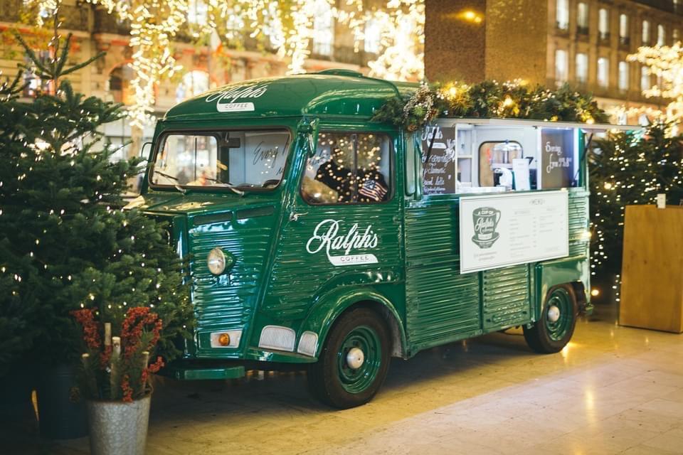 mespromenades-le-ralphs-coffee-truck-est-de-retour-a-paris-galeries-lafayette-©-photo-credit-ralphlauren-dp