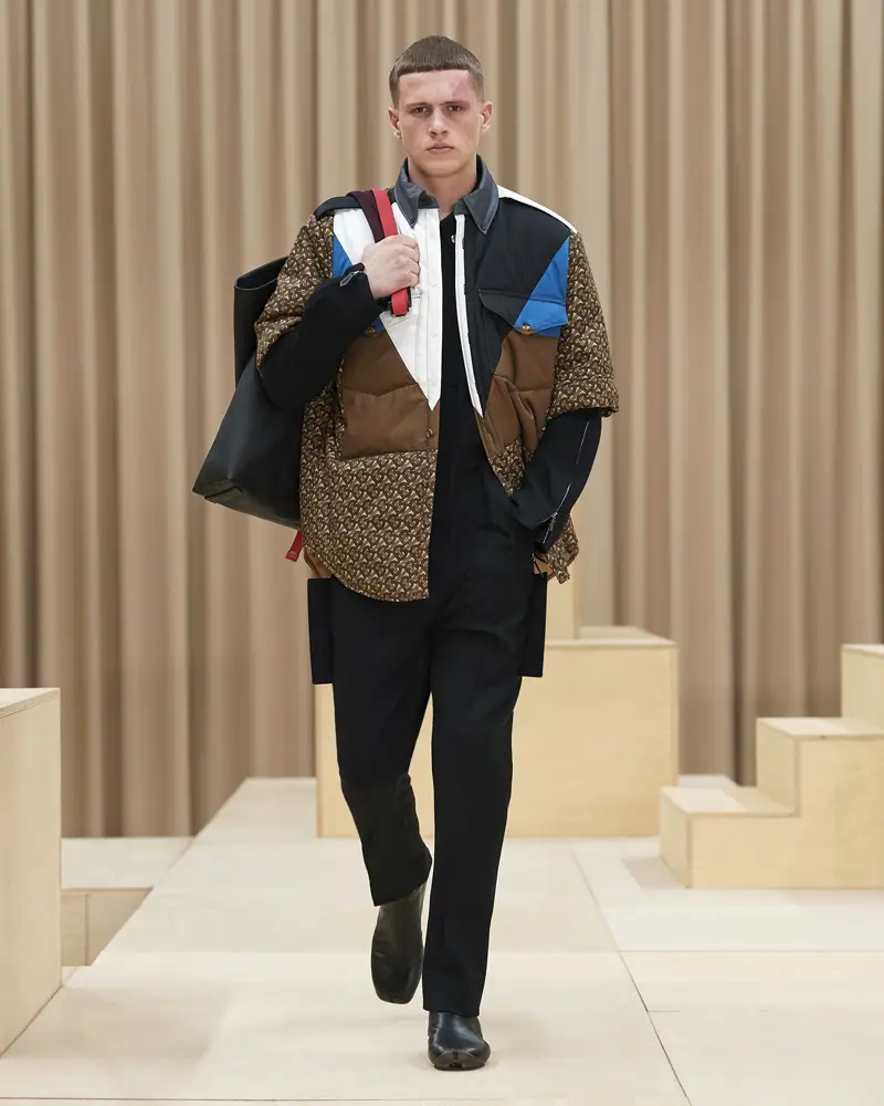burberry-riccardo-tisci-london-fashion-week-collection-automne-hiver-fall-winter-2021-2022-mespromenades-©-credits-burberry-15