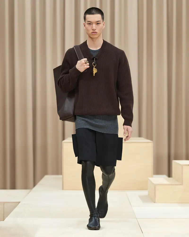 burberry-riccardo-tisci-london-fashion-week-collection-automne-hiver-fall-winter-2021-2022-mespromenades-©-credits-burberry-21