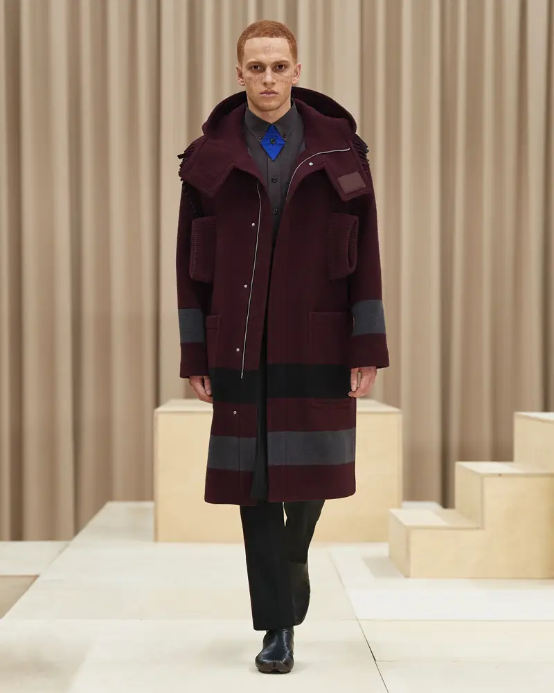 burberry-riccardo-tisci-london-fashion-week-collection-automne-hiver-fall-winter-2021-2022-mespromenades-©-credits-burberry-23